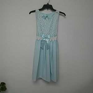 BEAUTIFUL. Girls Special Occasion Dress NWT